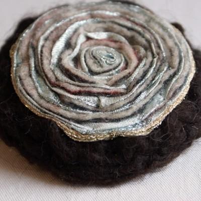Hårklämma/brosch svart/silver
